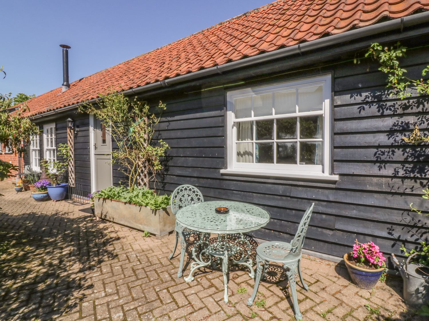 Courtyard Cottage, Poplar Farm Barn - Suffolk & Essex - 1001535 - photo 1