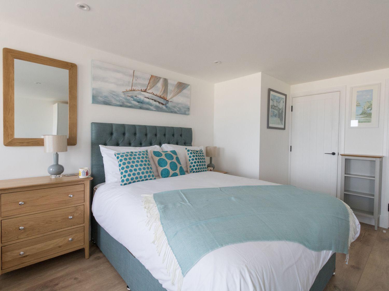 6 The Beaches, Weymouth