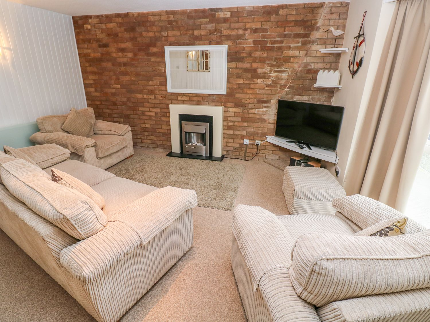 5 St. Marys Court - South Wales - 1004925 - photo 1