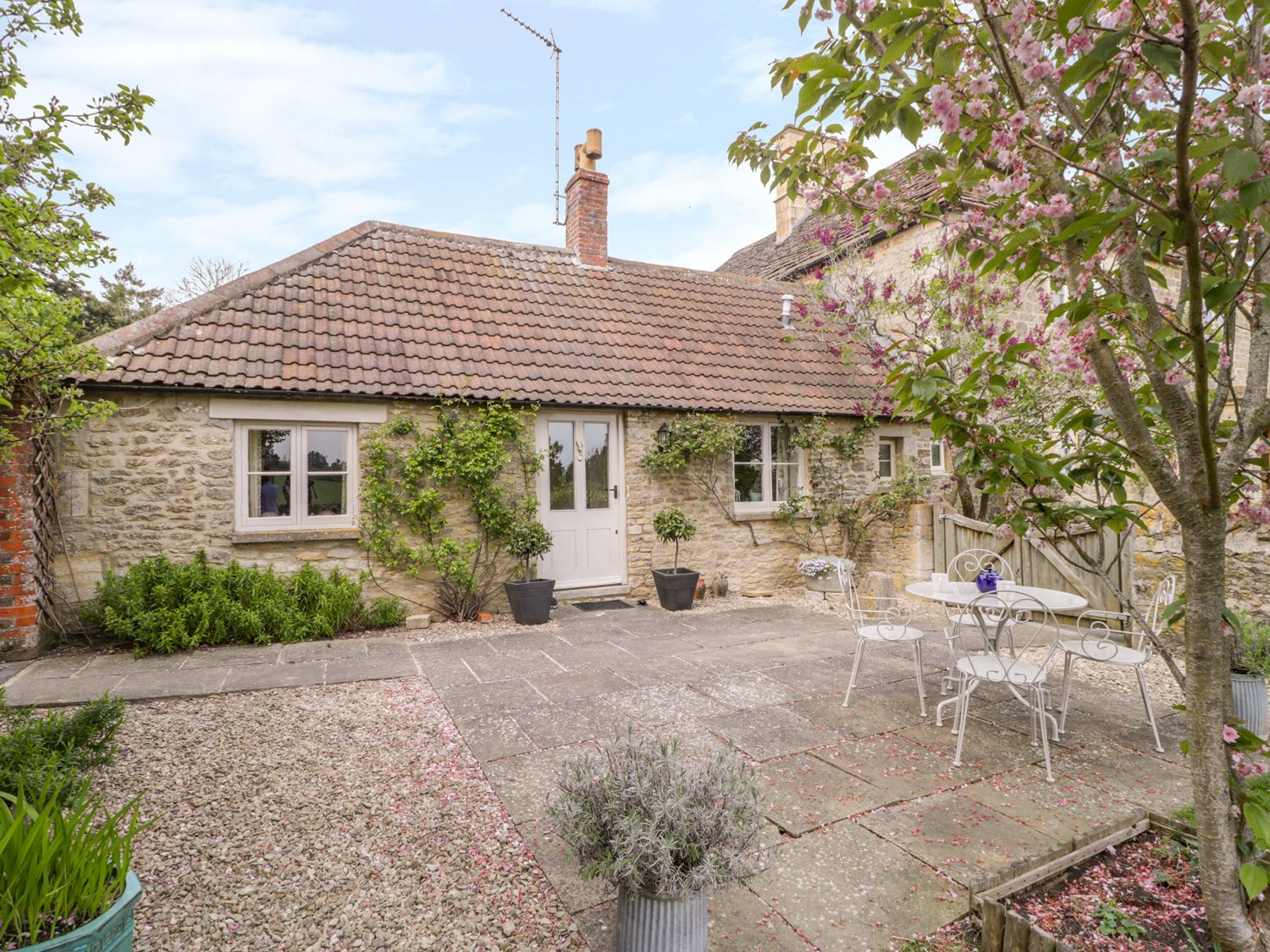 The Guinea Cottage - Somerset & Wiltshire - 1005486 - photo 1