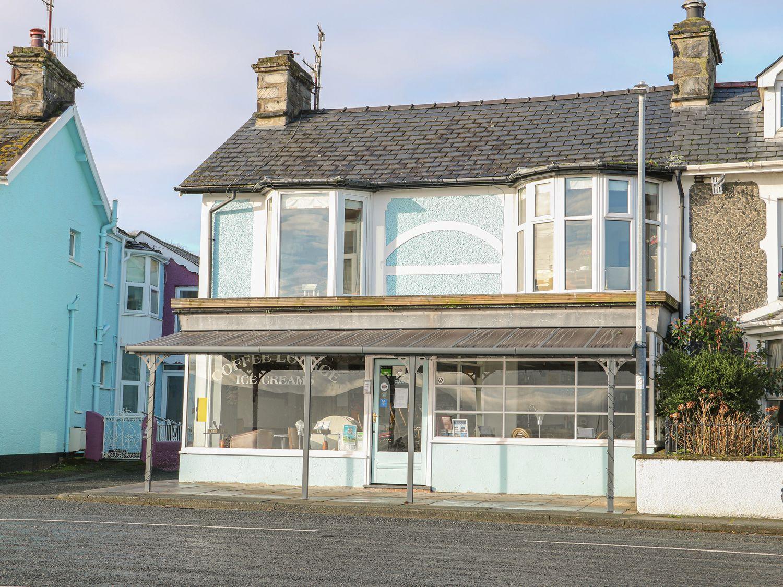 Bay View Apartment - North Wales - 1006438 - photo 1