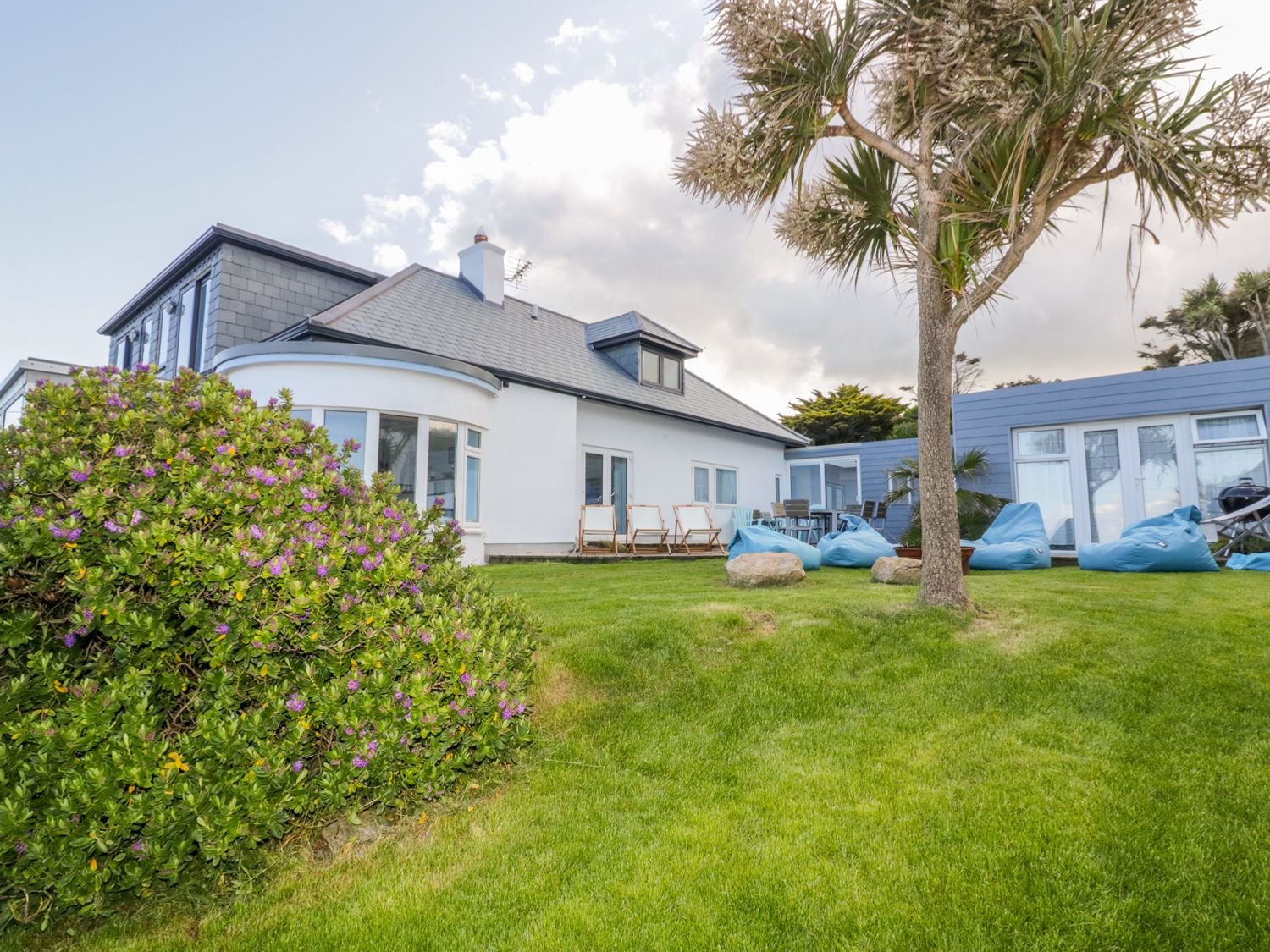 Blue Bay Beach House - Cornwall - 1007604 - photo 1