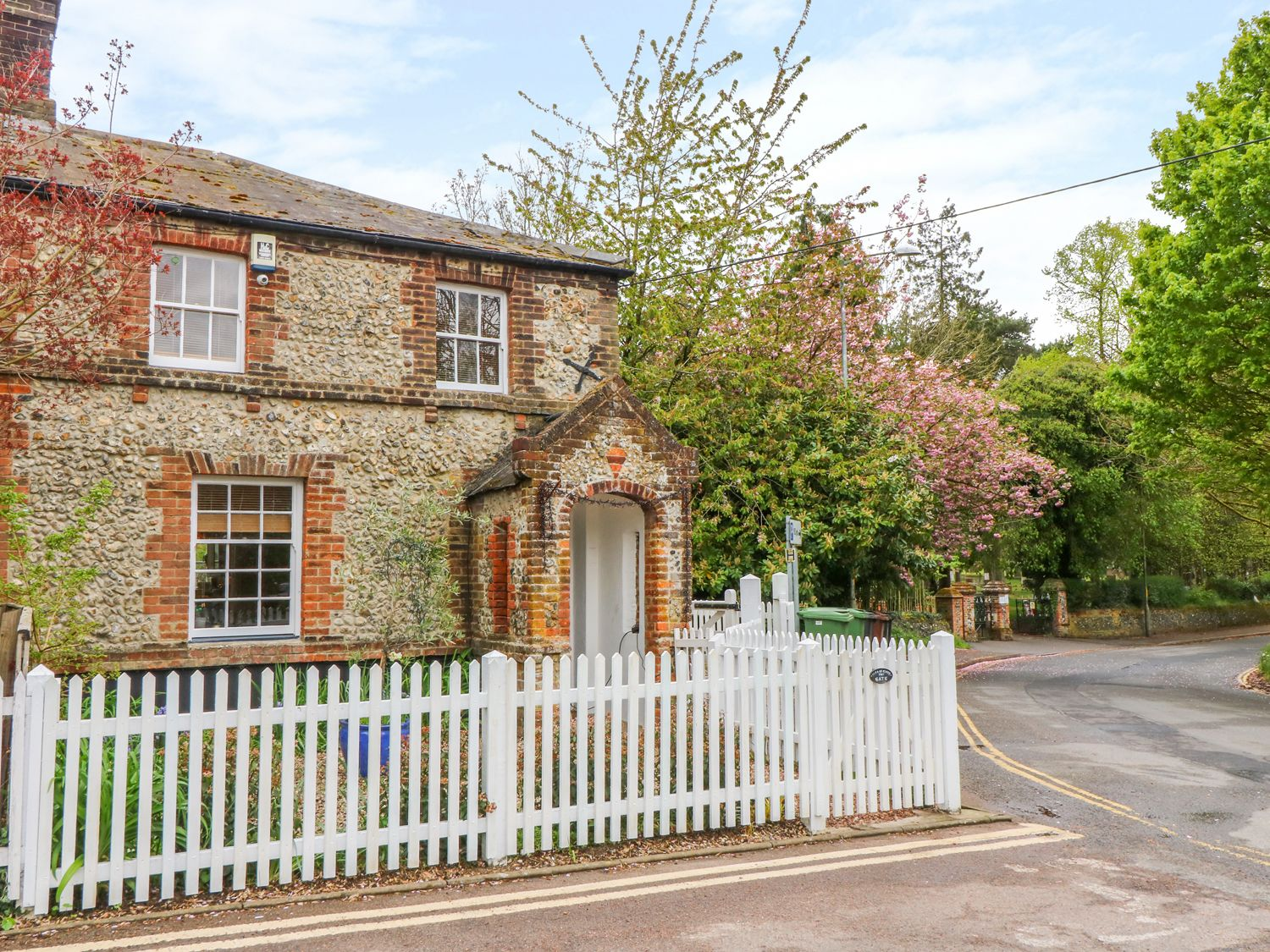 Holiday Cottages in Norfolk: 3 Station Cottages, Wymondham | Sykes Cottages