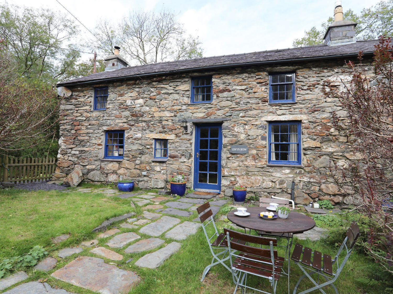 Llwyn Bedw - North Wales - 1008903 - photo 1