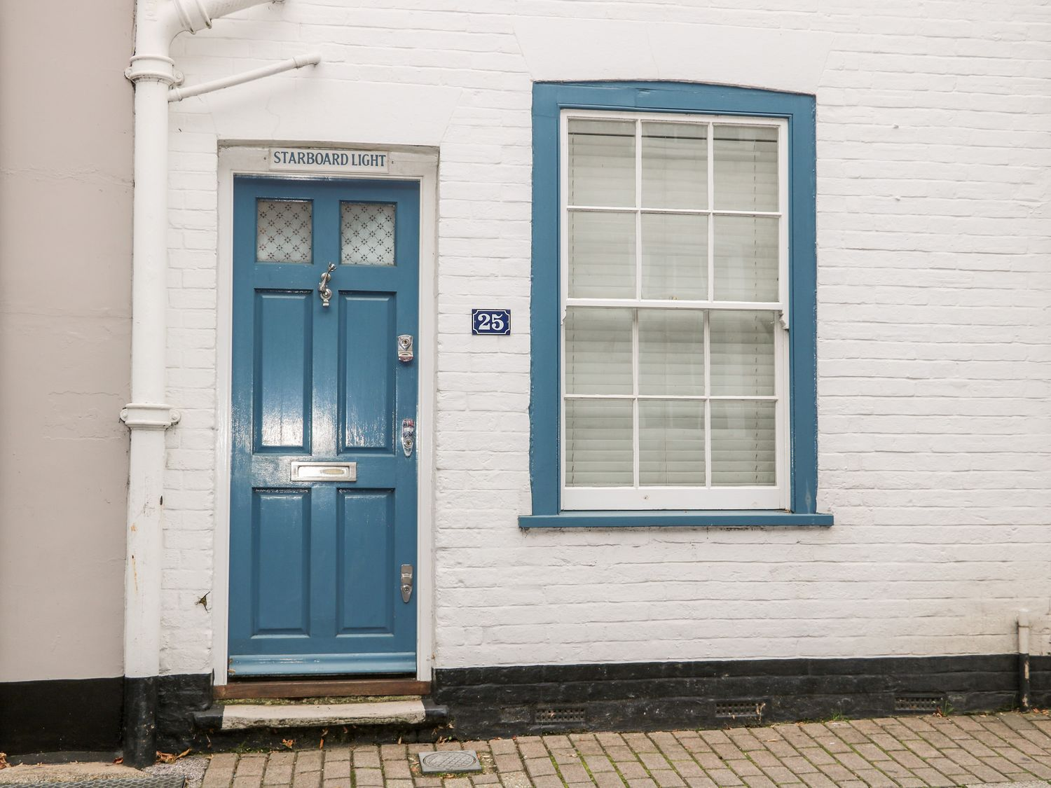 25 Captains Row, Lymington