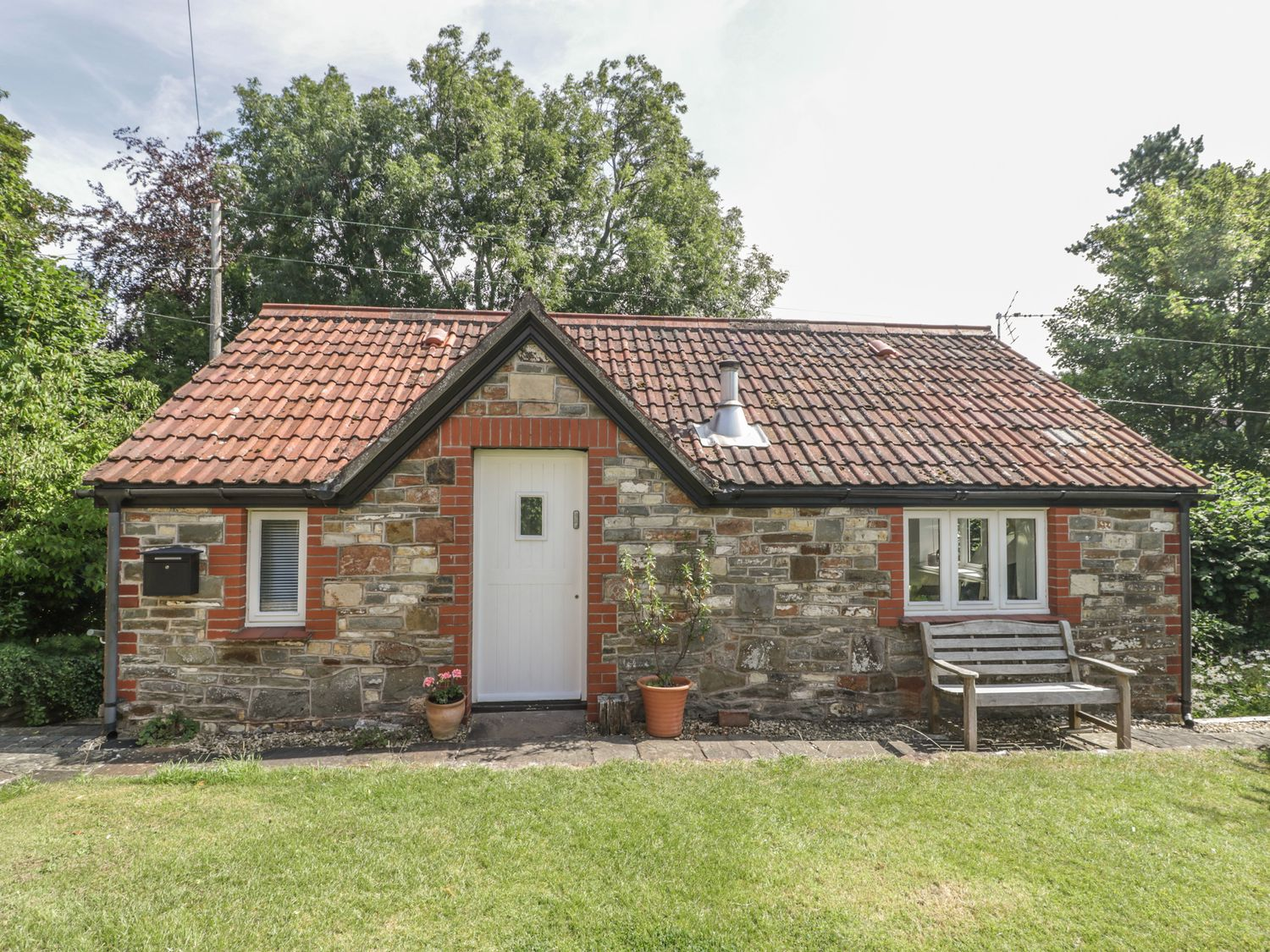 The Cottage at Woodmead - Somerset & Wiltshire - 1014615 - photo 1