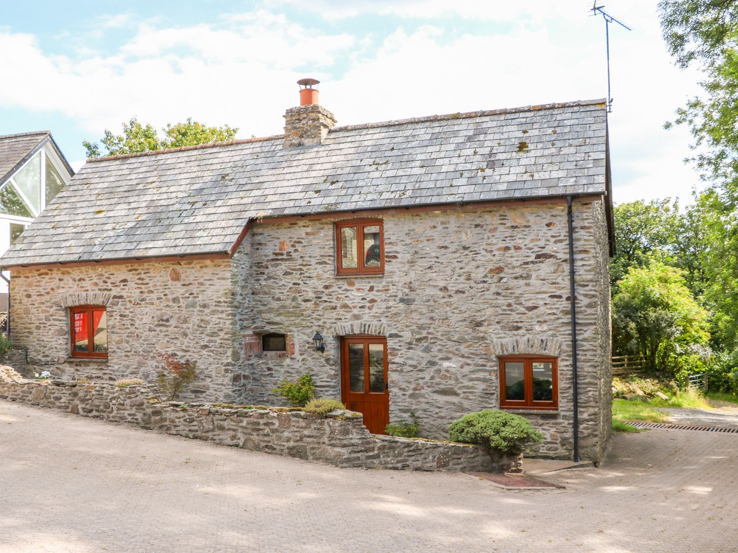 Great Bradley Cottage - Somerset & Wiltshire - 1015398 - photo 1