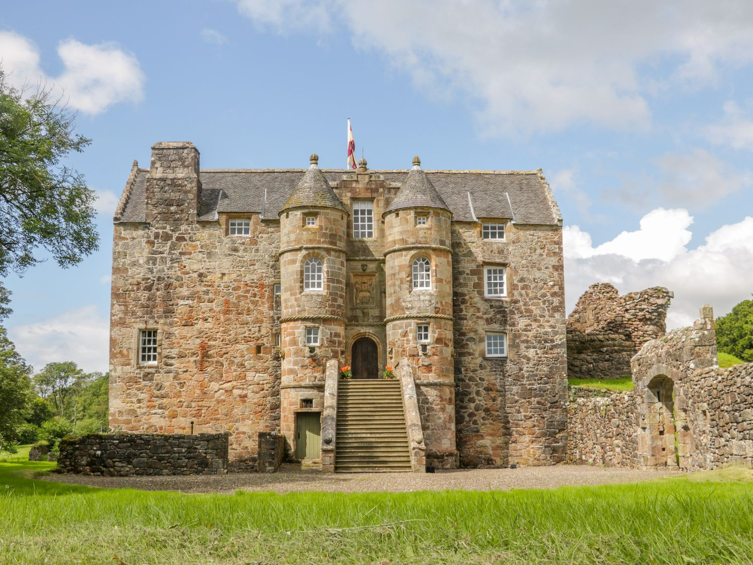 The Old Castle - Scottish Lowlands - 1016461 - photo 1