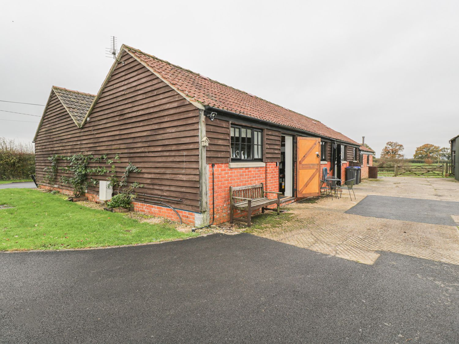 The Cider Barn - Somerset & Wiltshire - 1019003 - photo 1