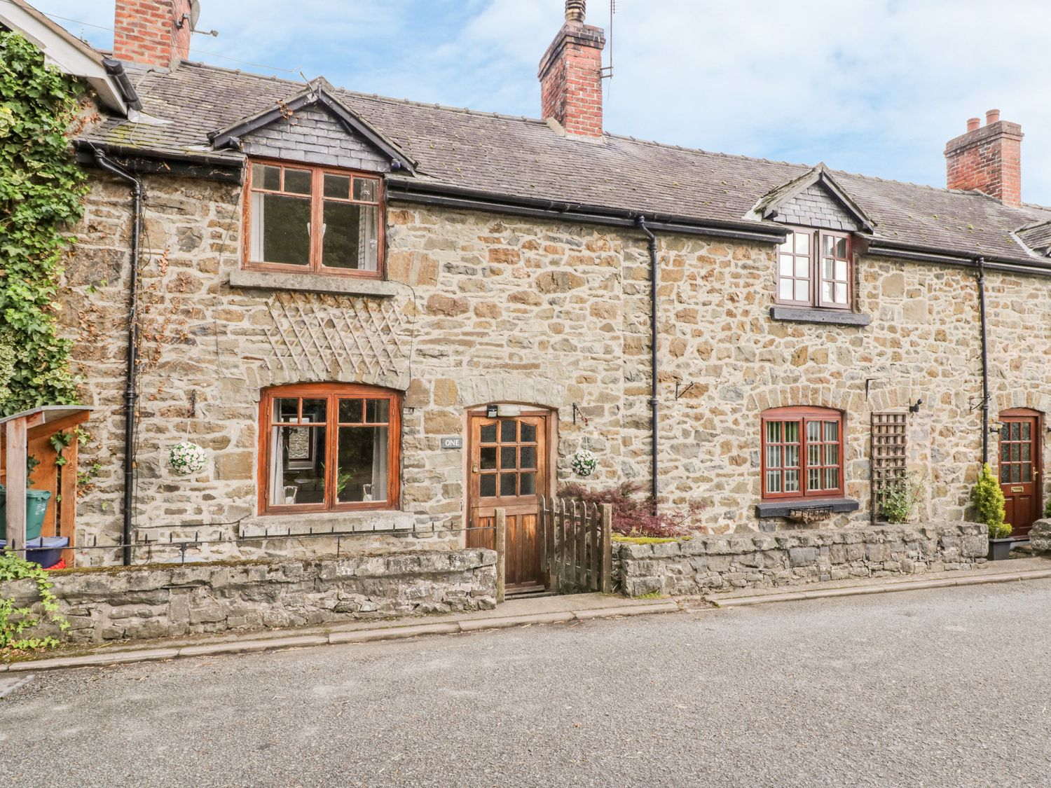 1 West View - North Wales - 1021384 - photo 1