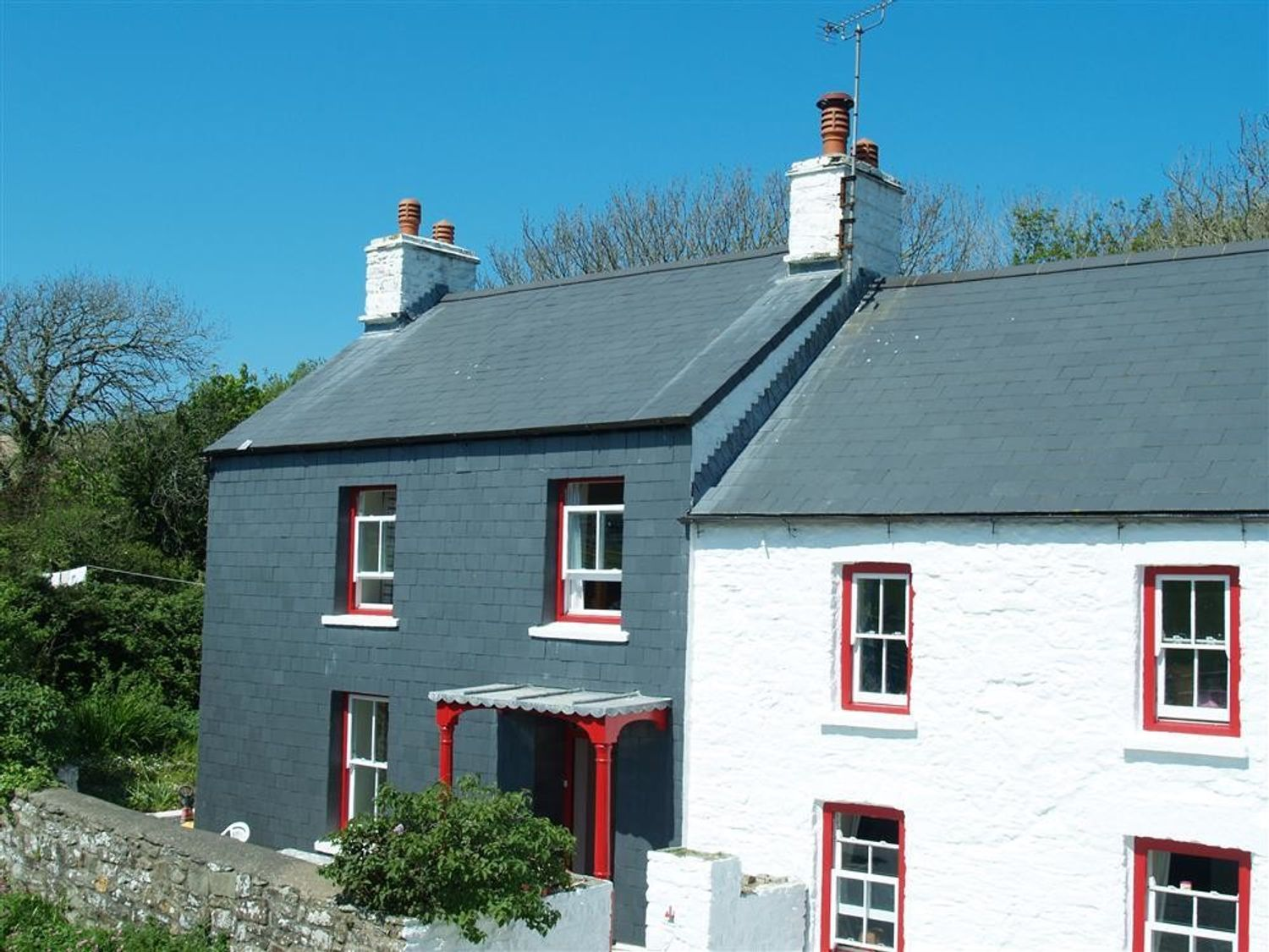Dinas Island Cottage - South Wales - 1035952 - photo 1