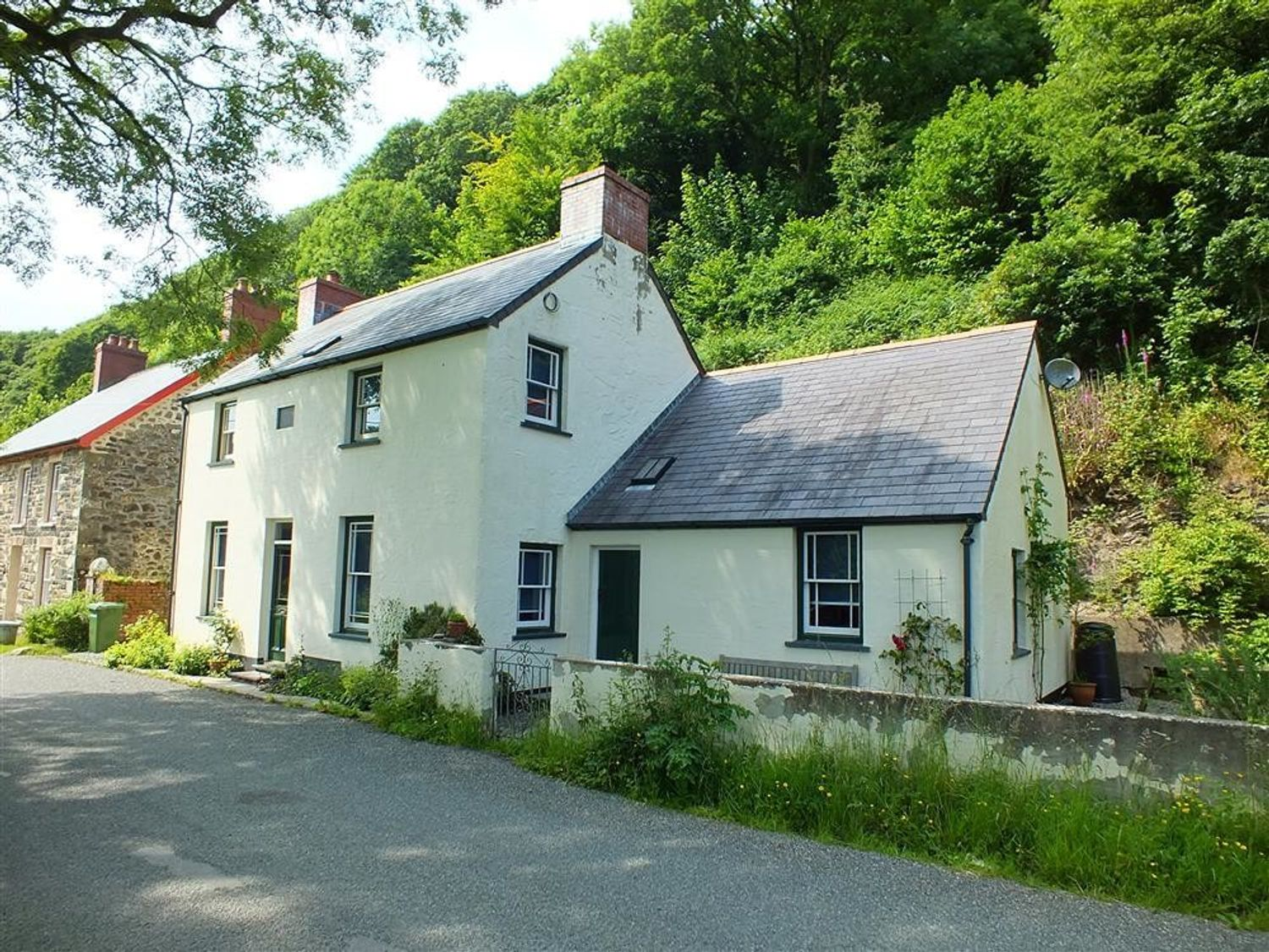 Contemporary Cottage in the Gwaun Valley