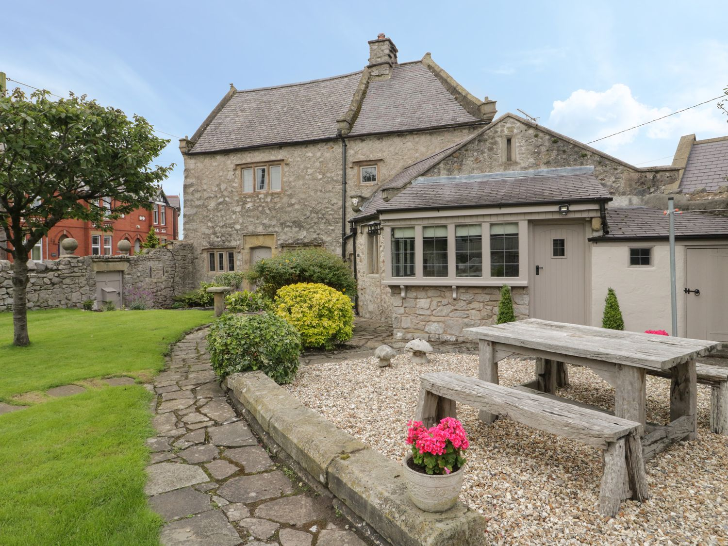 The Banquet House - North Wales - 1038899 - photo 1