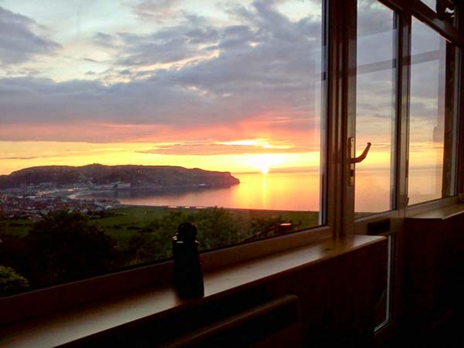 Two Bays and the Orme View Cottage - North Wales - 1039004 - photo 1