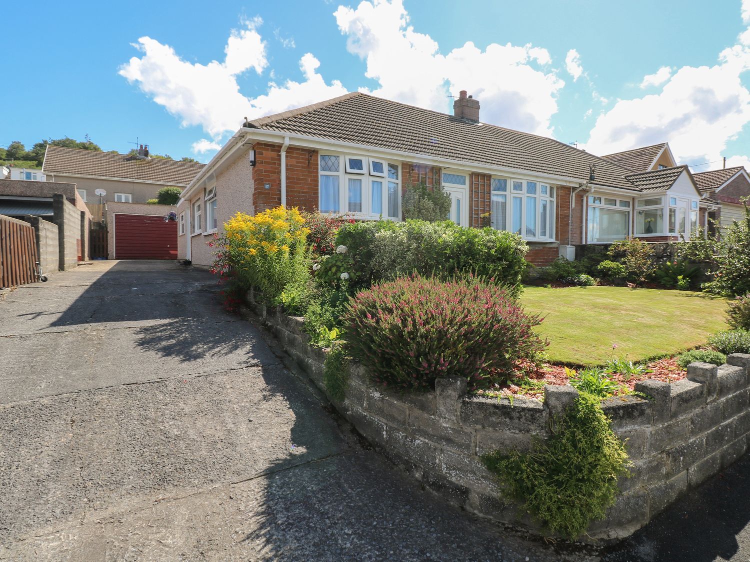 Ty Foxton - South Wales - 1039853 - photo 1
