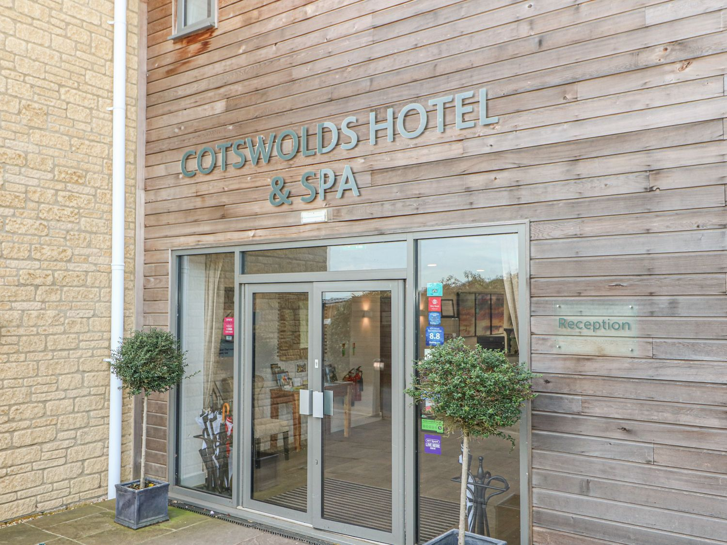 Cotswold Club Apartment (2 Bedroom Sleeps 4) - Cotswolds - 1040156 - photo 1