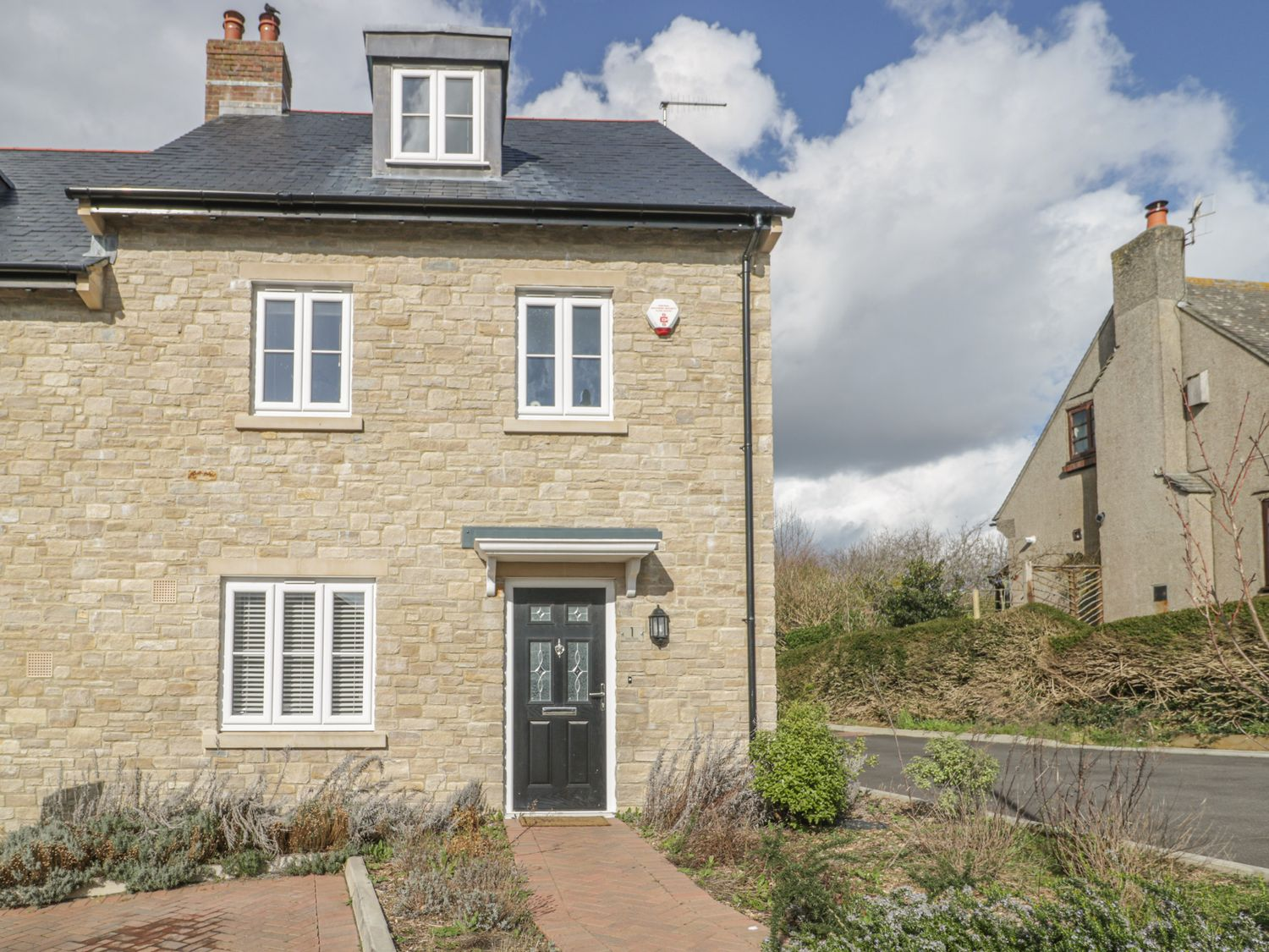 1 Sutton Gate - Dorset - 1042446 - photo 1