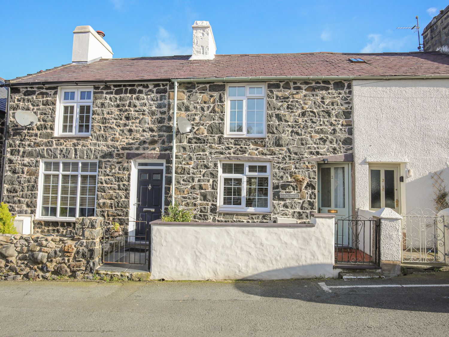 2 Alma Terrace - North Wales - 1044017 - photo 1