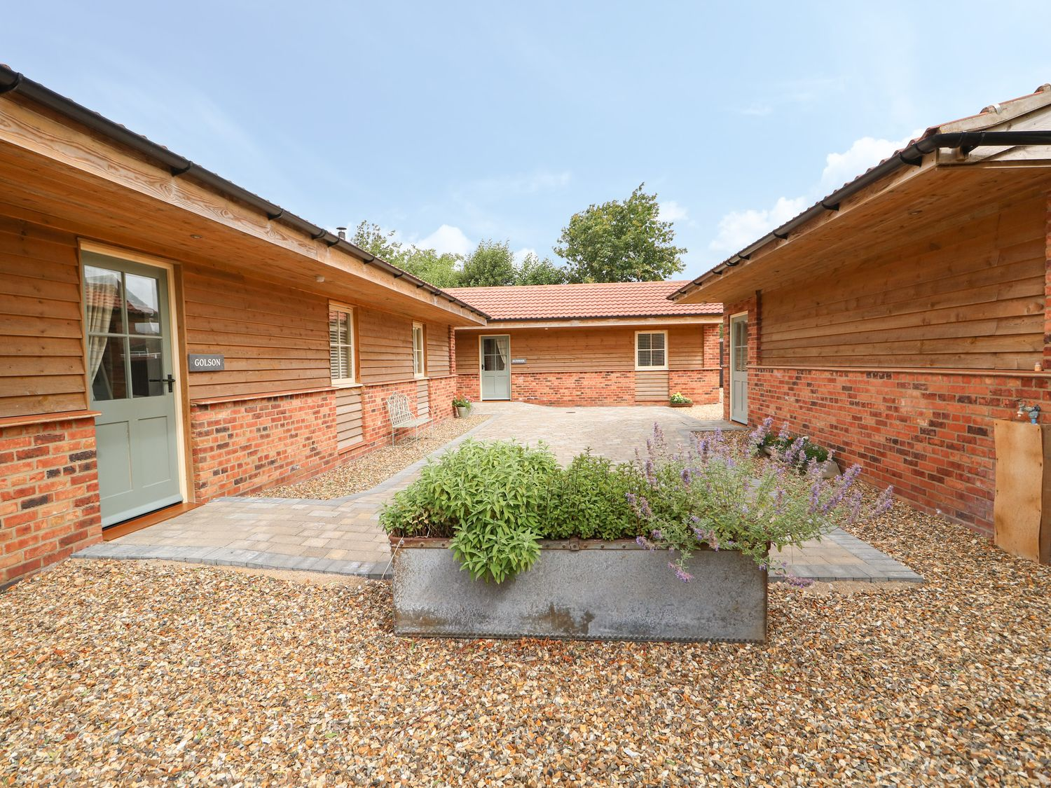 Golson Stable - Lincolnshire - 1050042 - photo 1