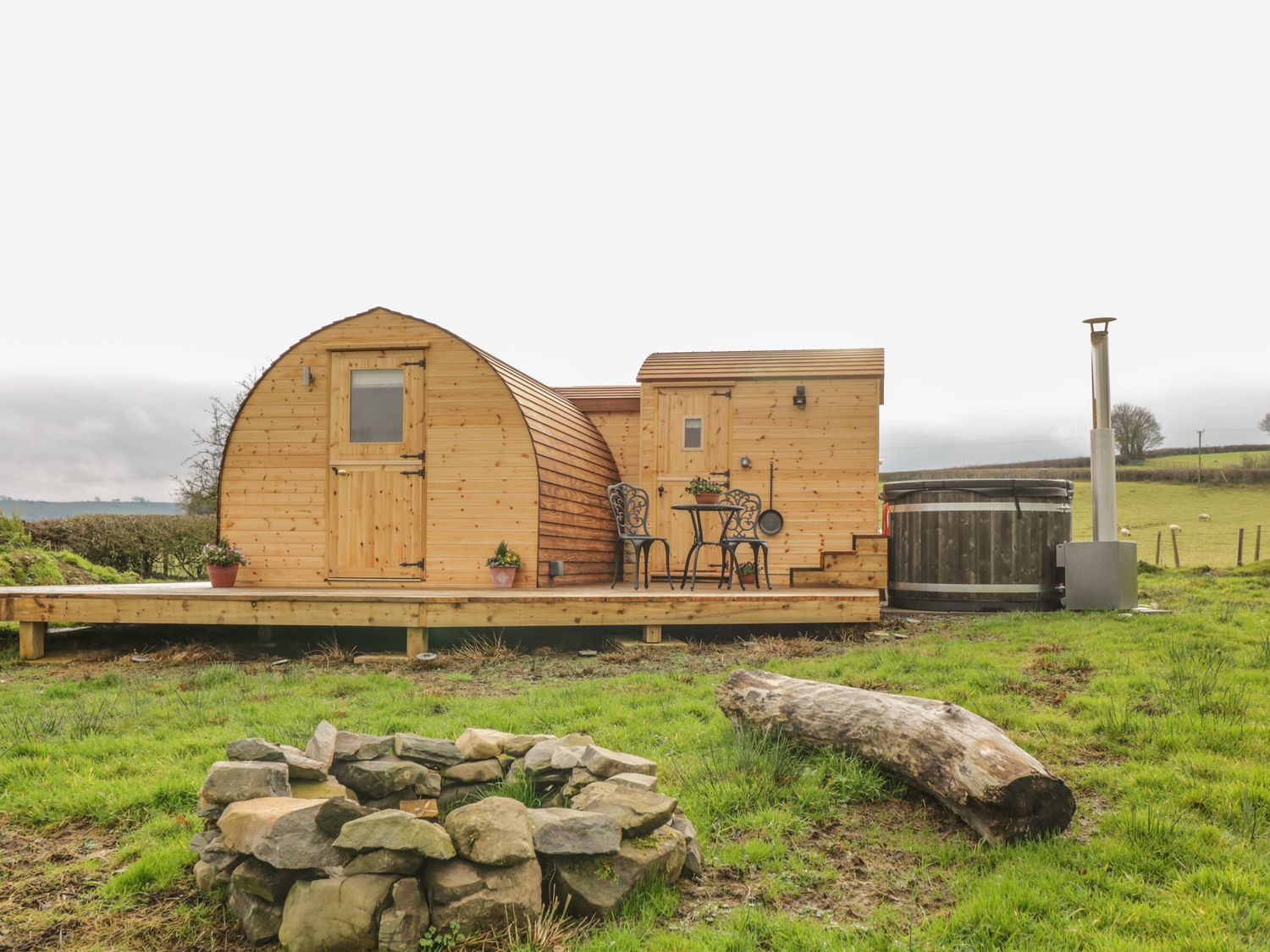 Embden Pod at Banwy Glamping - Mid Wales - 1052423 - photo 1