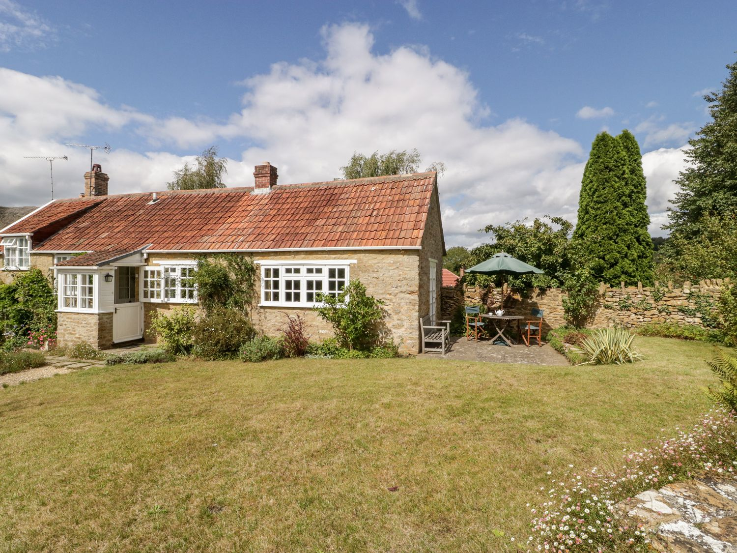 Yeoman Cottage - Somerset & Wiltshire - 1053084 - photo 1