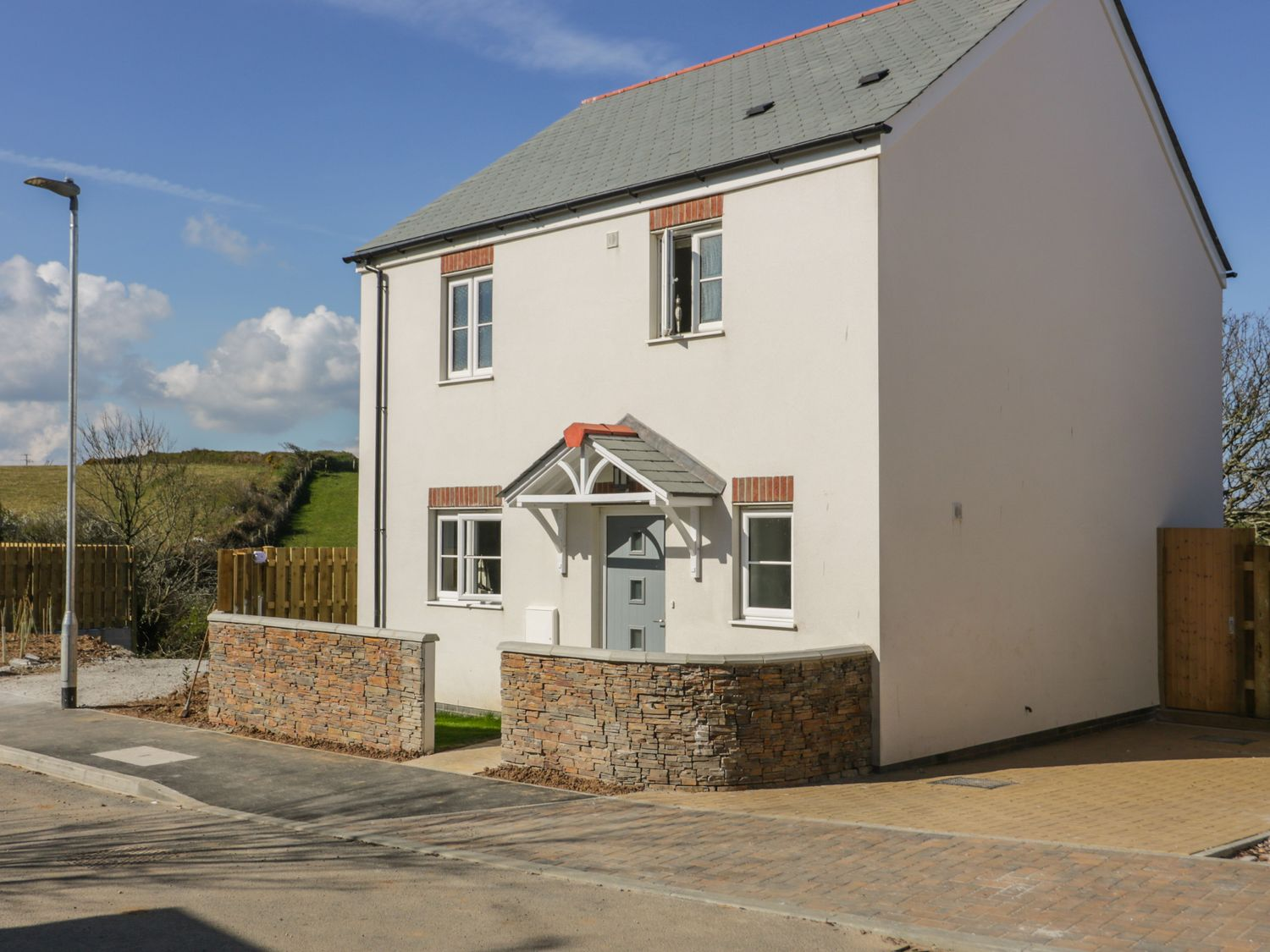 4 Trerammet Crescent - Cornwall - 1054473 - photo 1