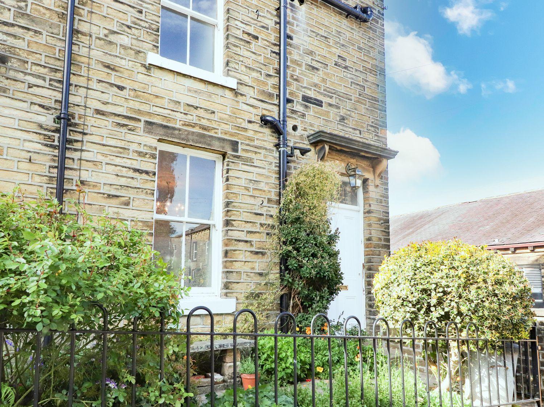 No 19, Haworth - Yorkshire Dales - 1056376 - photo 1