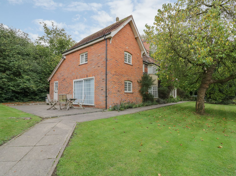 West Lodge - Suffolk & Essex - 1056947 - photo 1