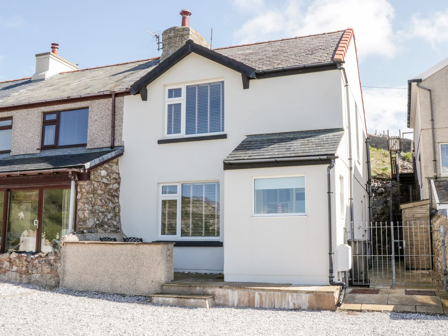 4 Anglesey Road - North Wales - 1058314 - photo 1