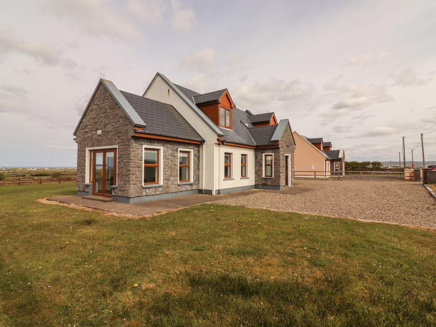 Cherry Blossom Cottage - County Clare - 1059276 - photo 1
