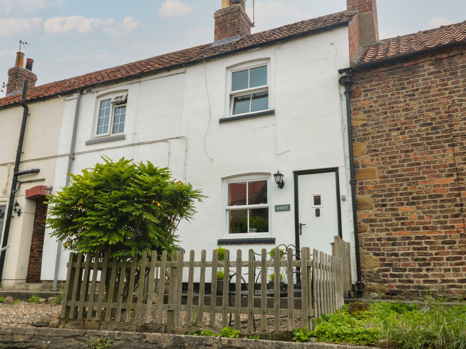 Ascot Cottage - North Yorkshire (incl. Whitby) - 1060483 - photo 1