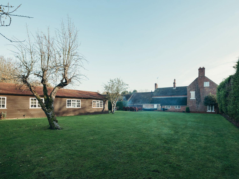 The Farmhouse at West Drayton Farm - Lincolnshire - 1060781 - photo 1