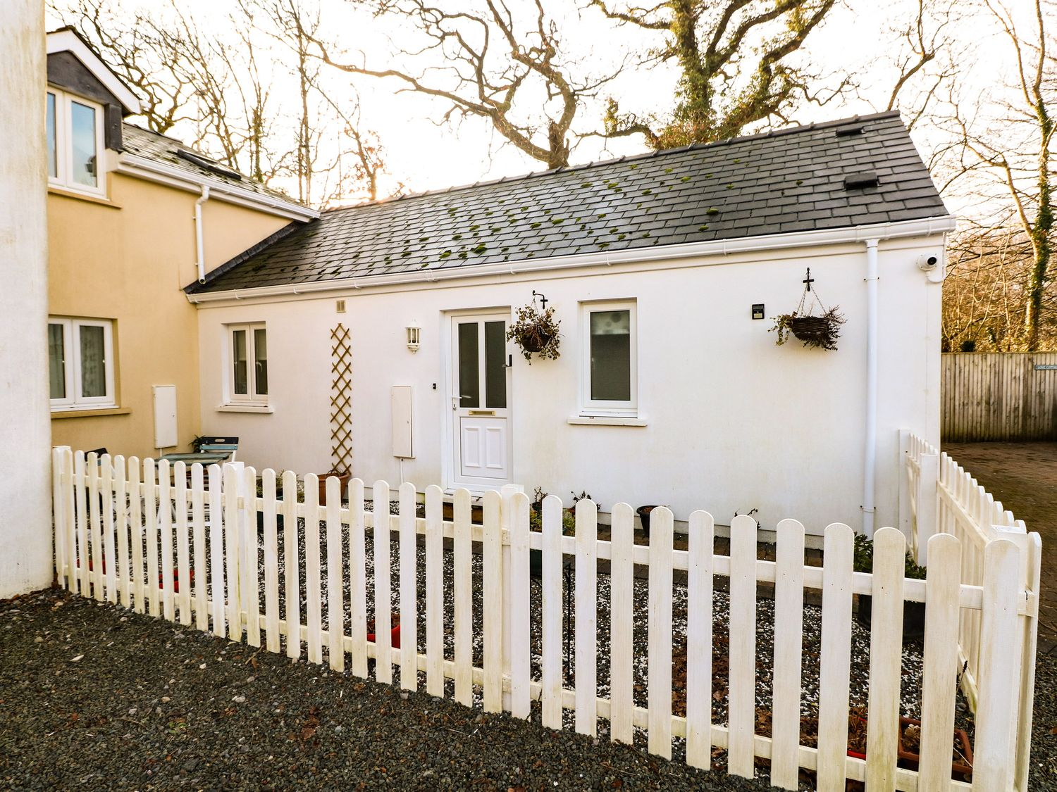 Love Cottage - South Wales - 1061323 - photo 1