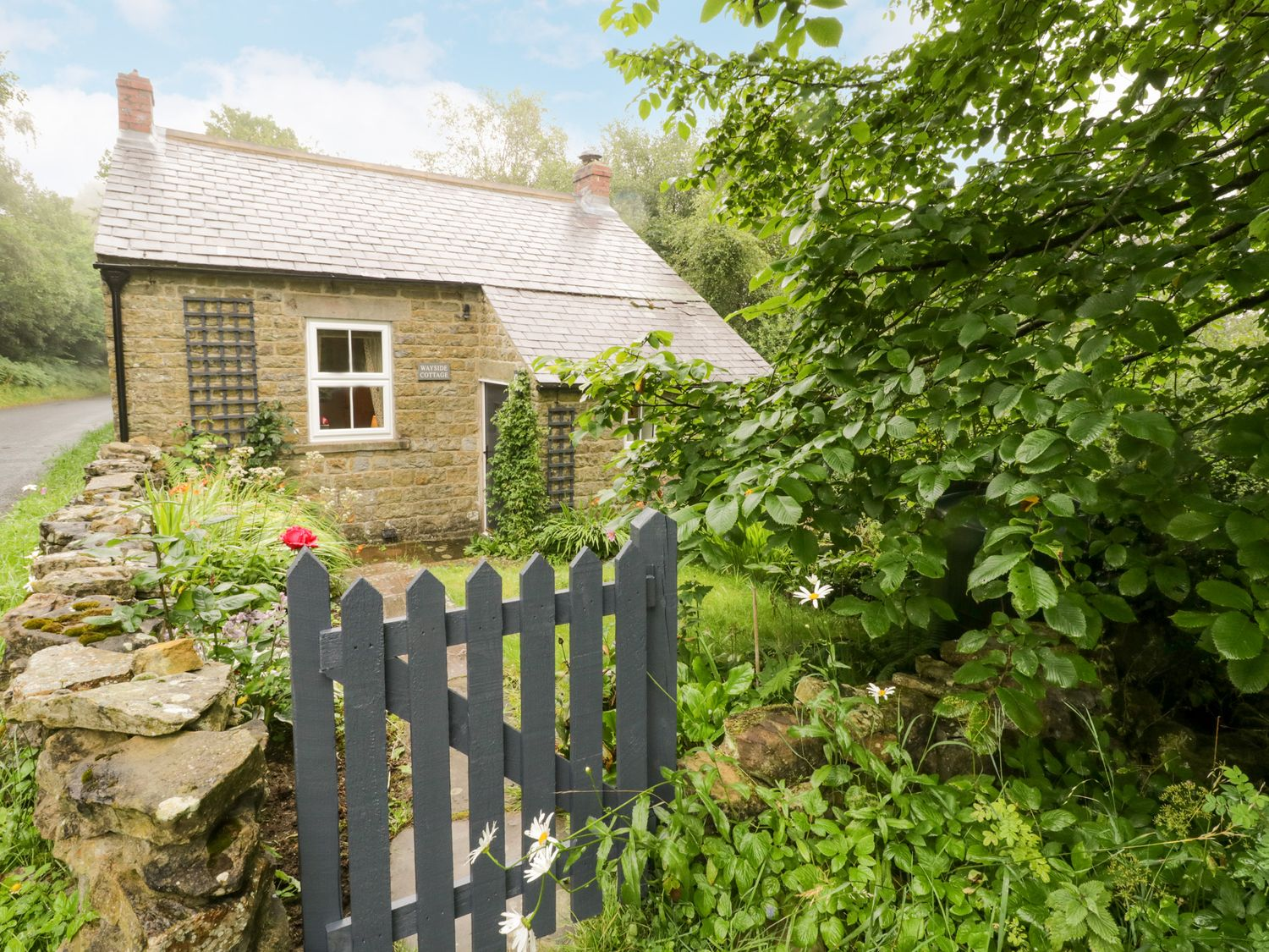 Wayside Cottage - North Yorkshire (incl. Whitby) - 1062267 - photo 1