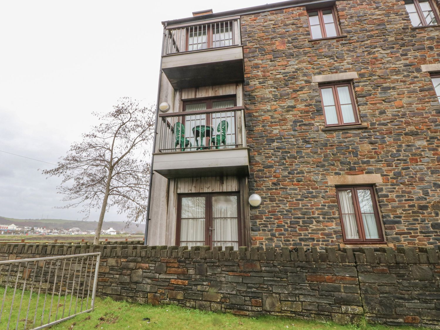 2 Chandlers Yard - South Wales - 1063704 - photo 1