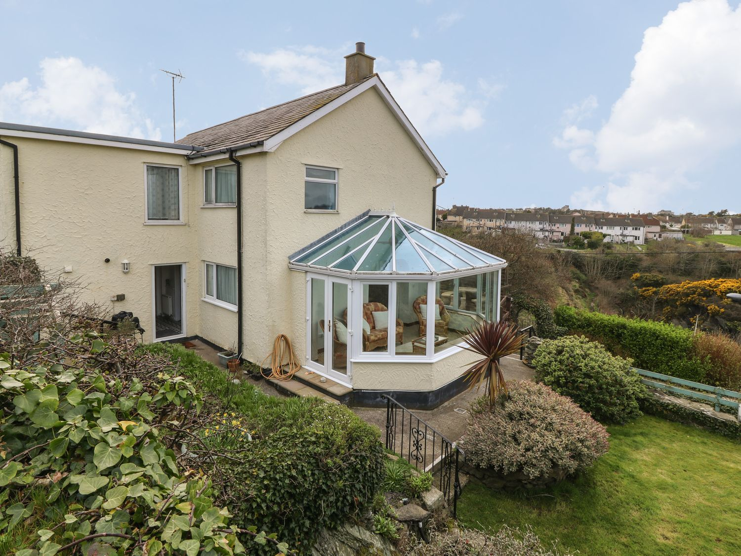 35-37 Upper Quay Street - Anglesey - 1063990 - photo 1