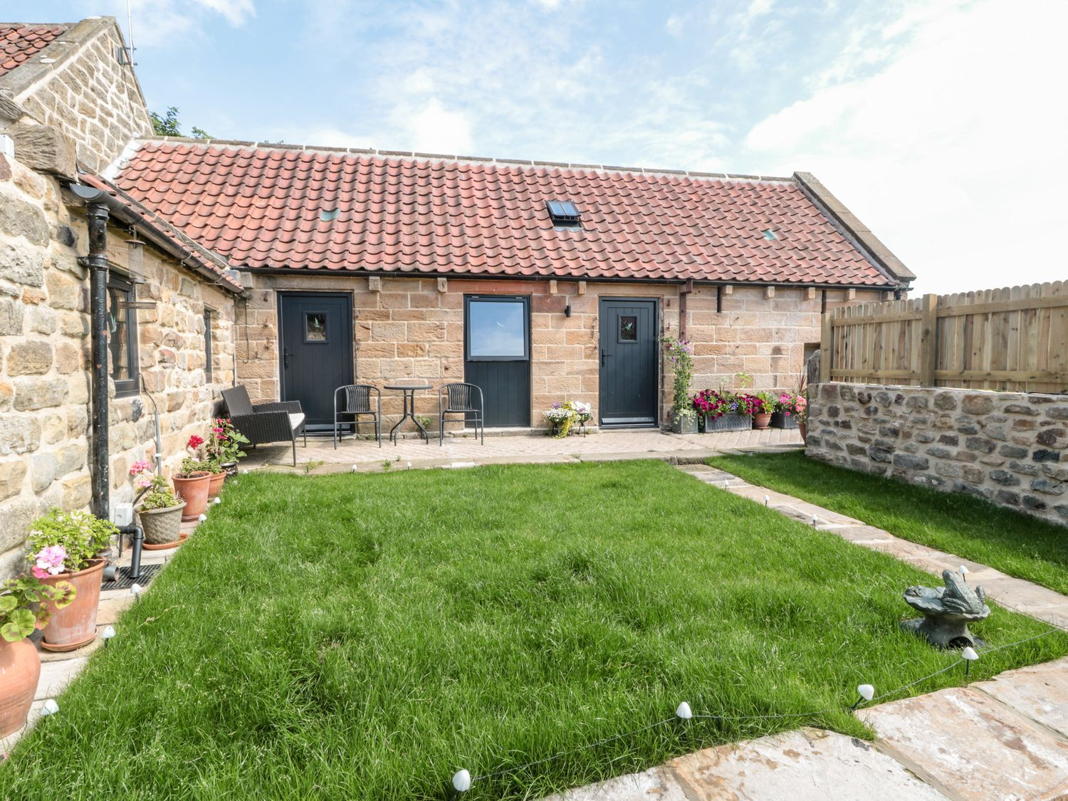 Basil's Barn - North Yorkshire (incl. Whitby) - 1064996 - photo 1