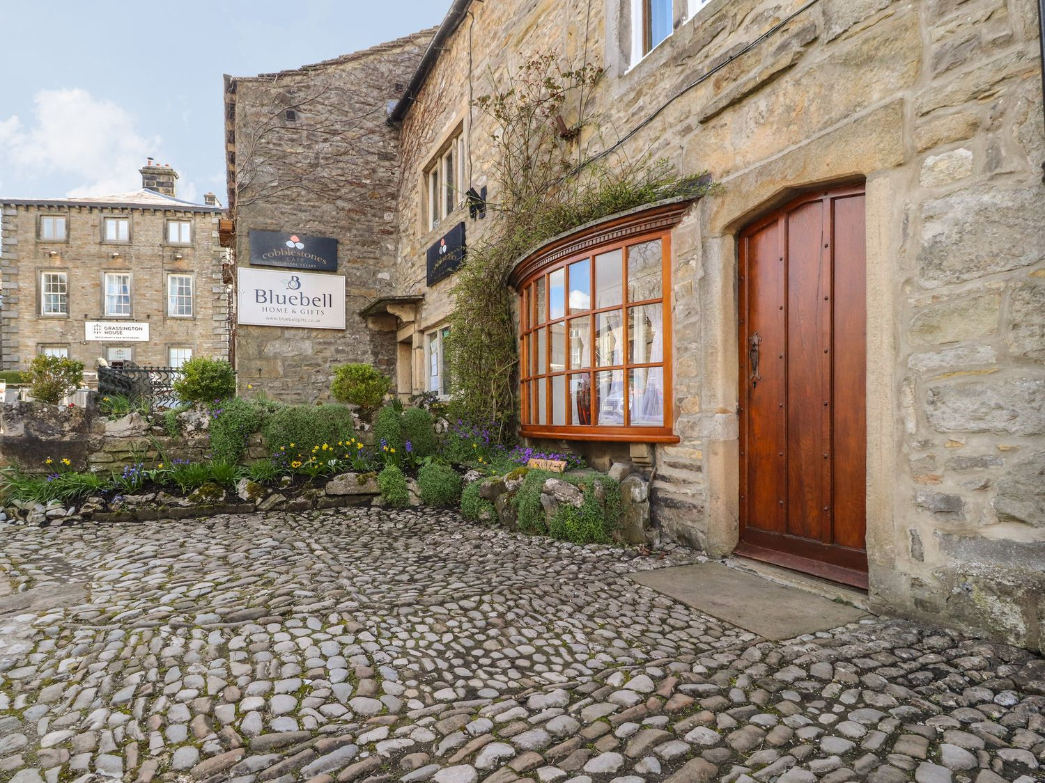 2 The Square - Yorkshire Dales - 1067952 - photo 1