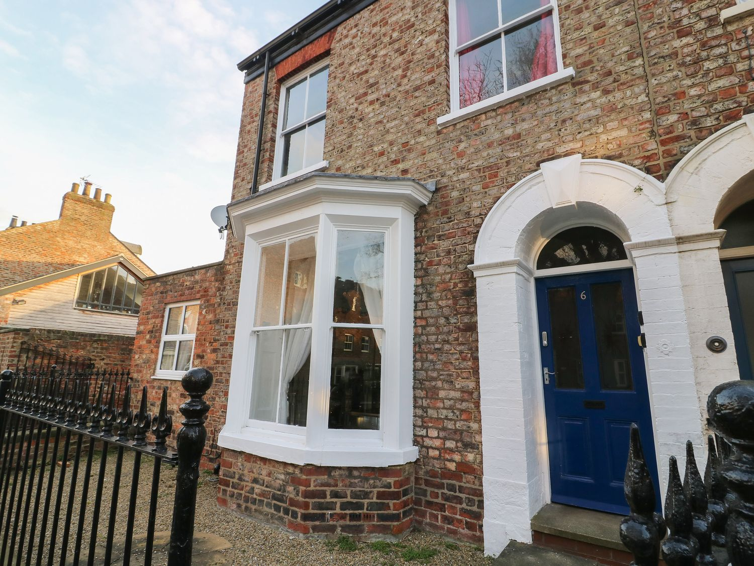 Flat 4 - Whitby & North Yorkshire - 1067990 - photo 1