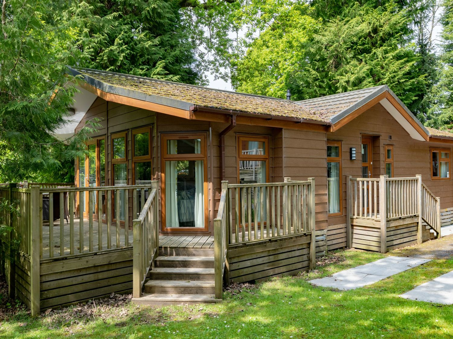 Forest Pines Lodge - Lake District - 1068844 - photo 1