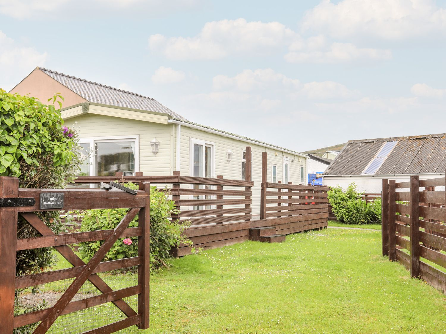 Bwthyn Y Bae Lodge - Anglesey - 1069547 - photo 1