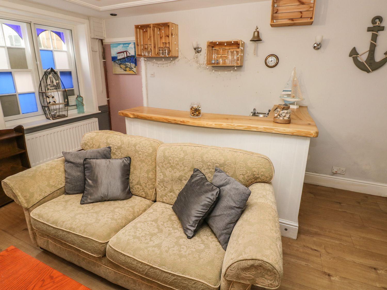 Studio Apartment - South Wales - 1070402 - photo 1