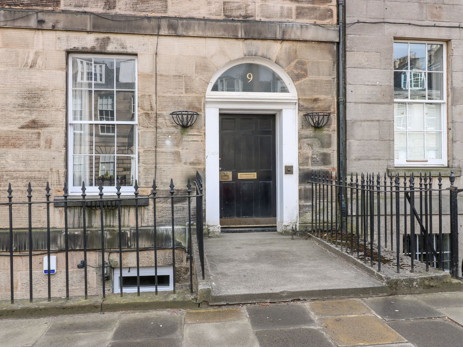 9/2 Albany Street - Scottish Lowlands - 1071615 - photo 1