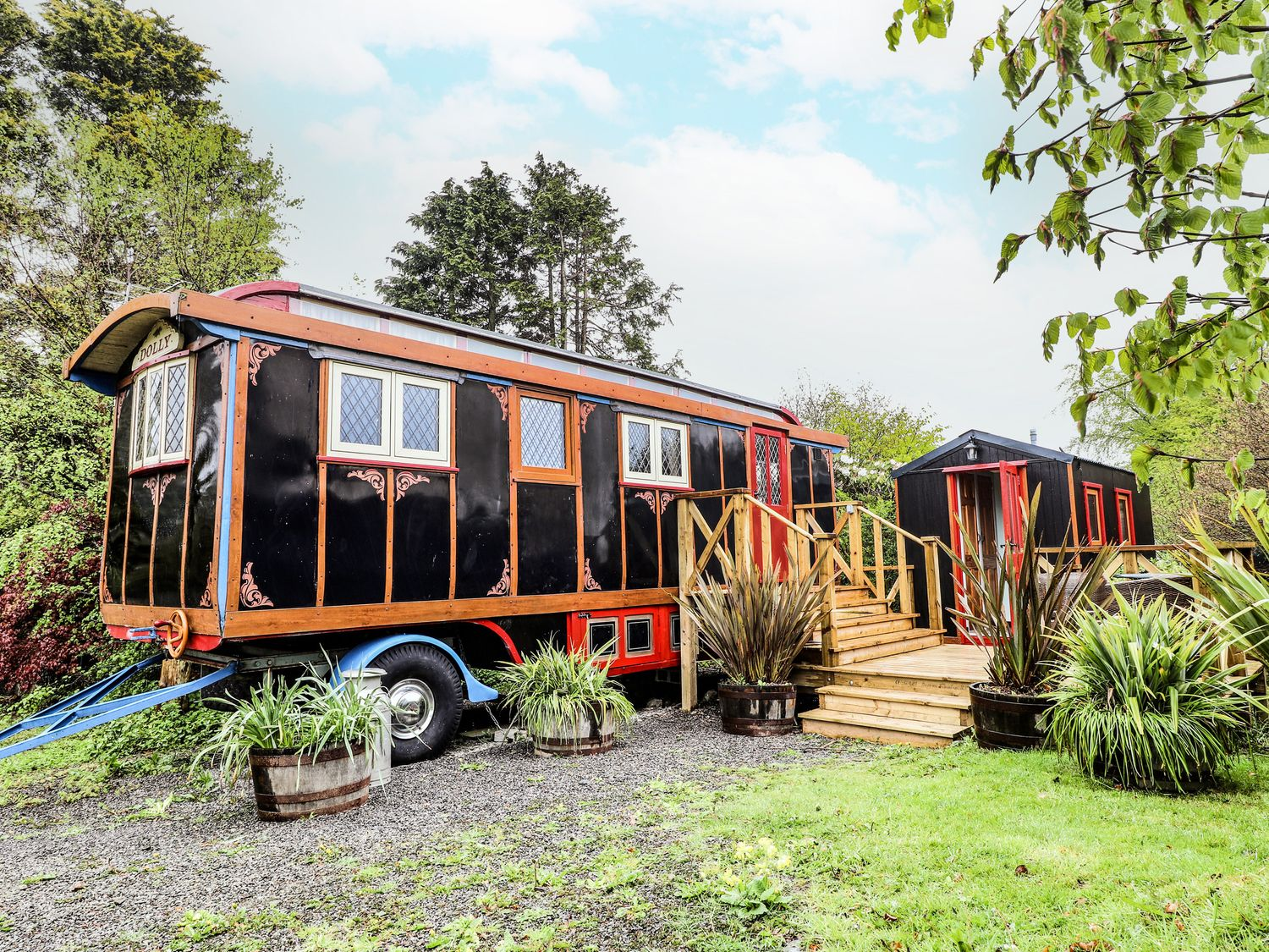 Dolly the Circus Wagon - Mid Wales - 1073267 - photo 1