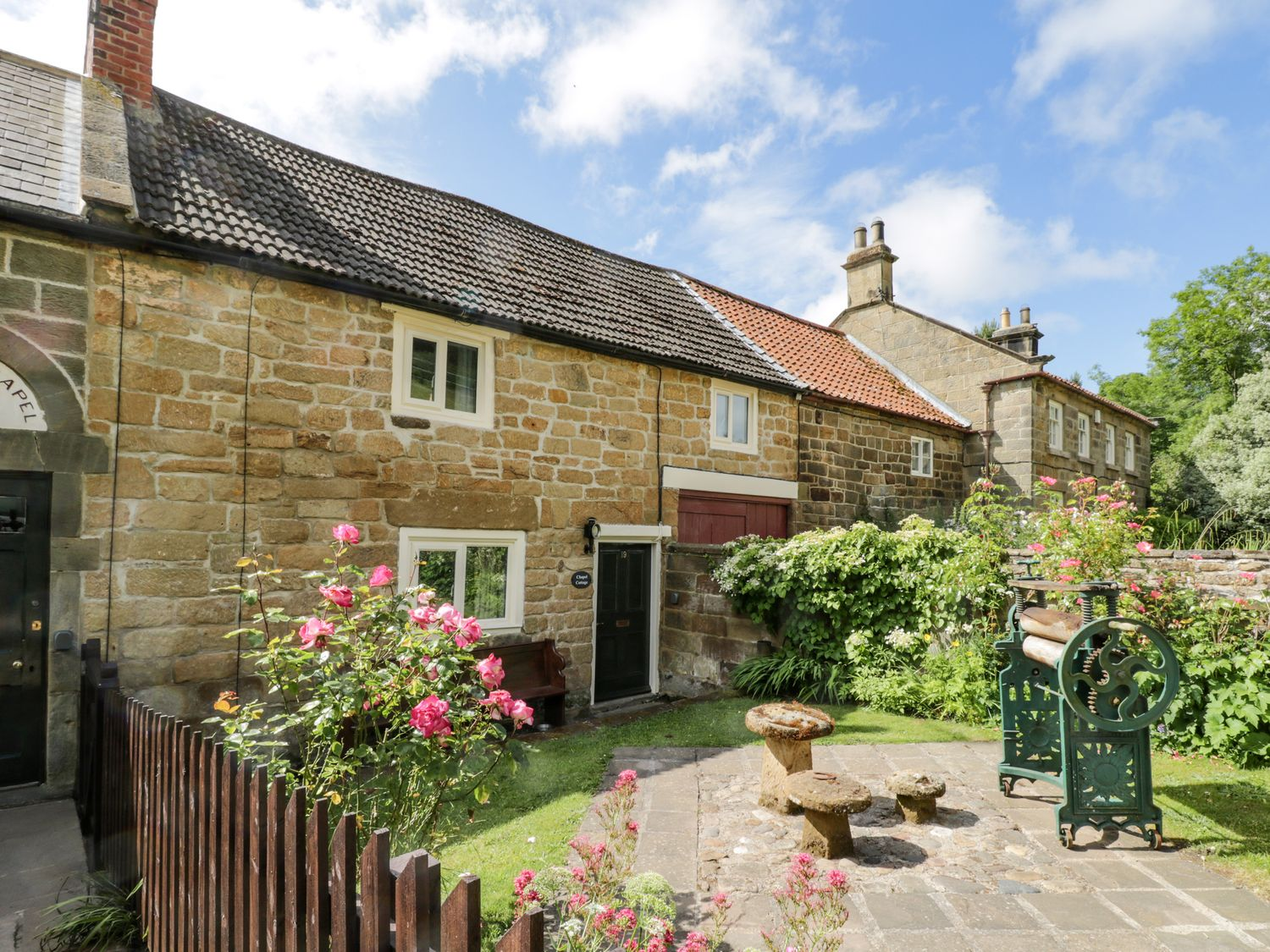 Chapel Cottage - North Yorkshire (incl. Whitby) - 1073539 - photo 1