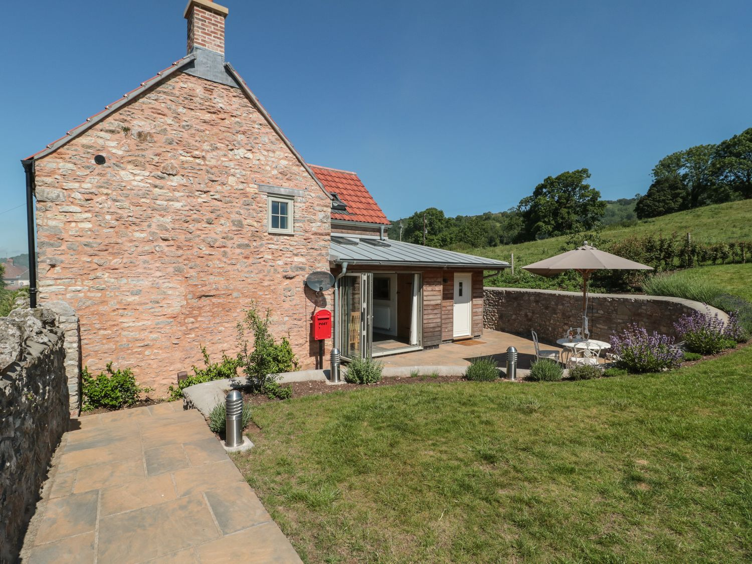 Lilac Cottage - Somerset & Wiltshire - 1075885 - photo 1