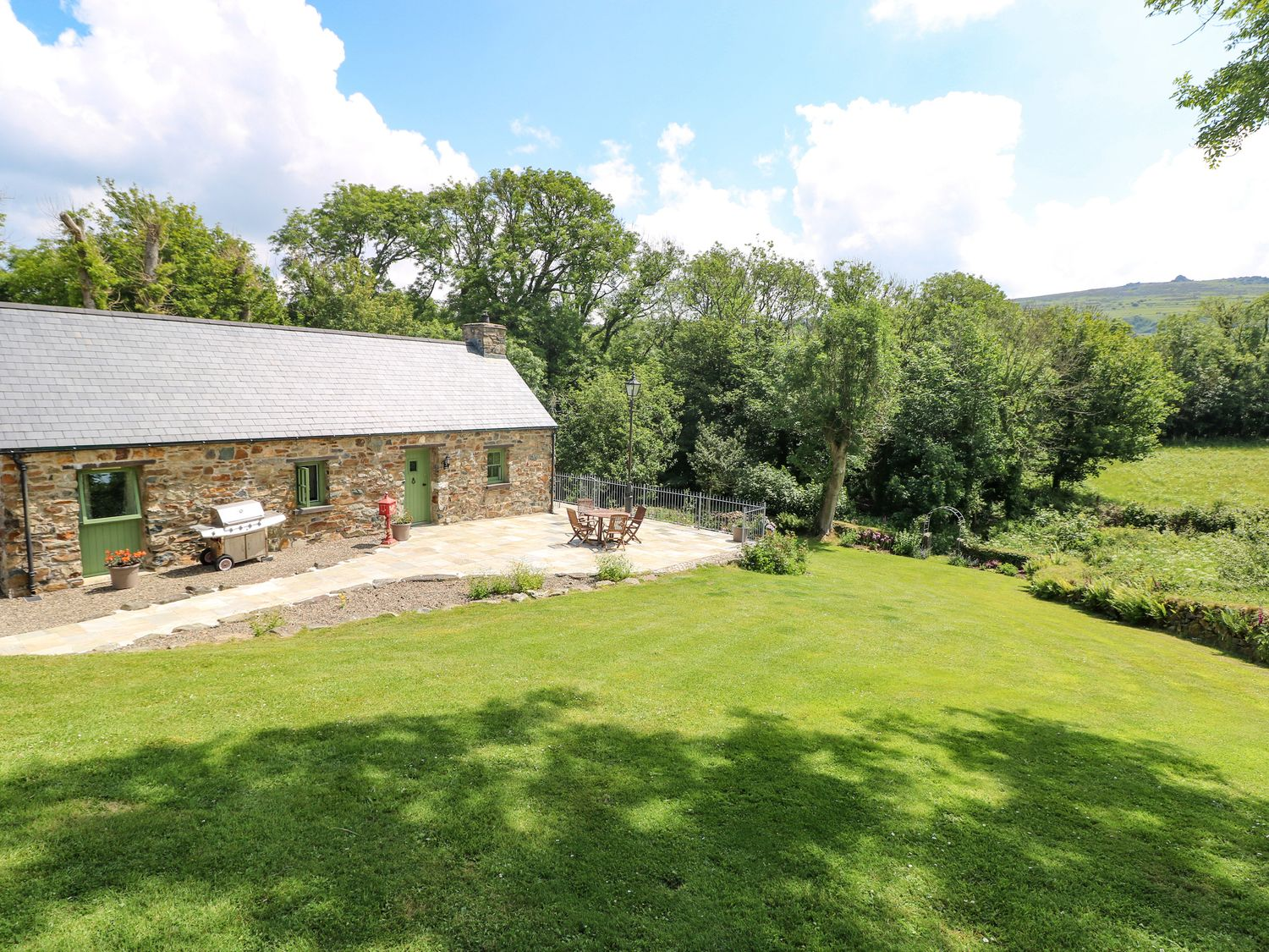 Trewrach Cottage - South Wales - 1076953 - photo 1