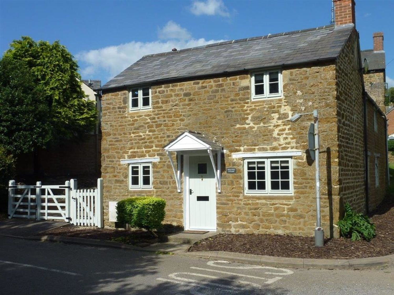 Hollytree Cottage - Cotswolds - 1079076 - photo 1