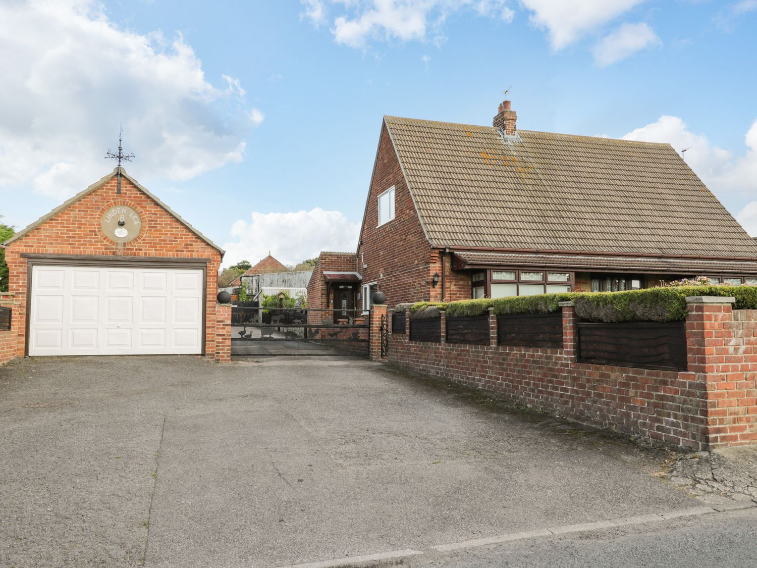 8 Coronation Avenue - North Yorkshire (incl. Whitby) - 1081722 - photo 1
