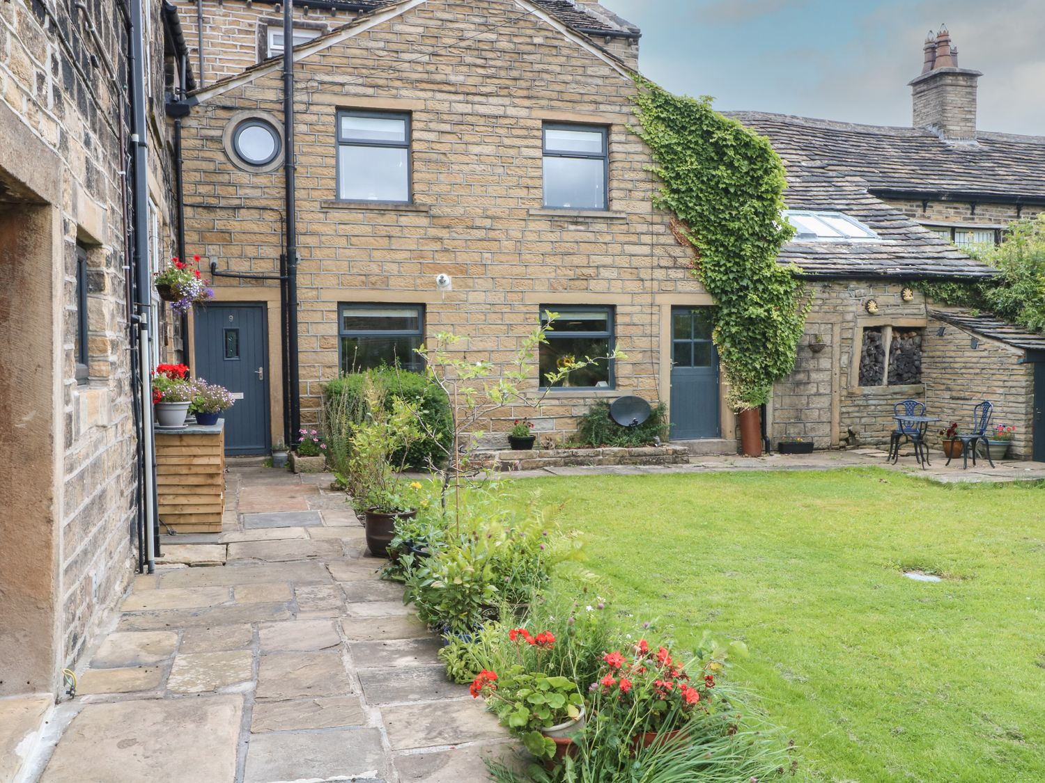 Cottage Round T'Corner - North Yorkshire (incl. Whitby) - 1082016 - photo 1